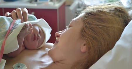Những điều mẹ cần chú ý về sinh mổ & trẻ sinh mổ 1