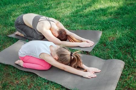 dong-tac-yoga động tác yoga