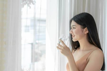 uong-nhieu-nuoc uống nhiều nước