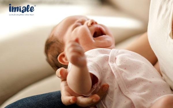 trẻ nhiễm khuẩn đường ruột